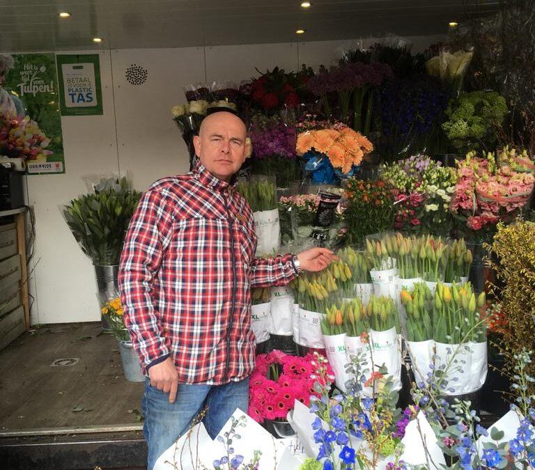 Gemeente wil bloemen nog maar van één bloemist: ''Laat duizend bloemisten bloeien!''