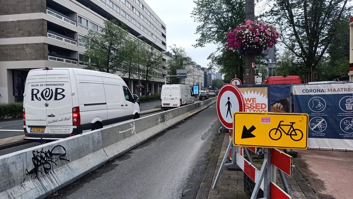 Één rijbaan op de Weesperstraat